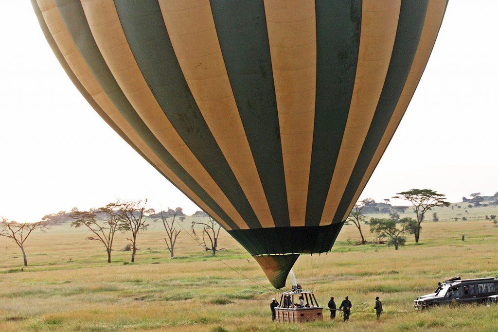hot air ballon safari in queen elizabeth national park
