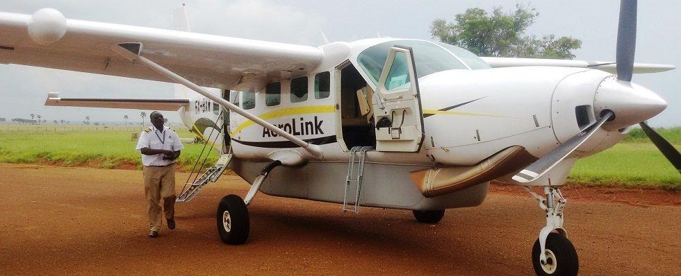 scheduled flights to Queen Elizabeth National Park