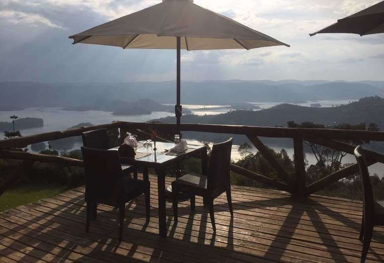 where to stay at Lake Bunyonyi,